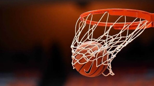 توپ بسکتبال - بسکتبالیست