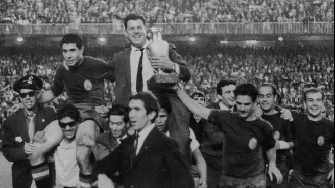 اسپانیا-یورو-جام جهانی-دی استفانو-سانتیاگو برنابئو-ژنرال فرانکو-رئال مادرید-بارسلونا-Spain